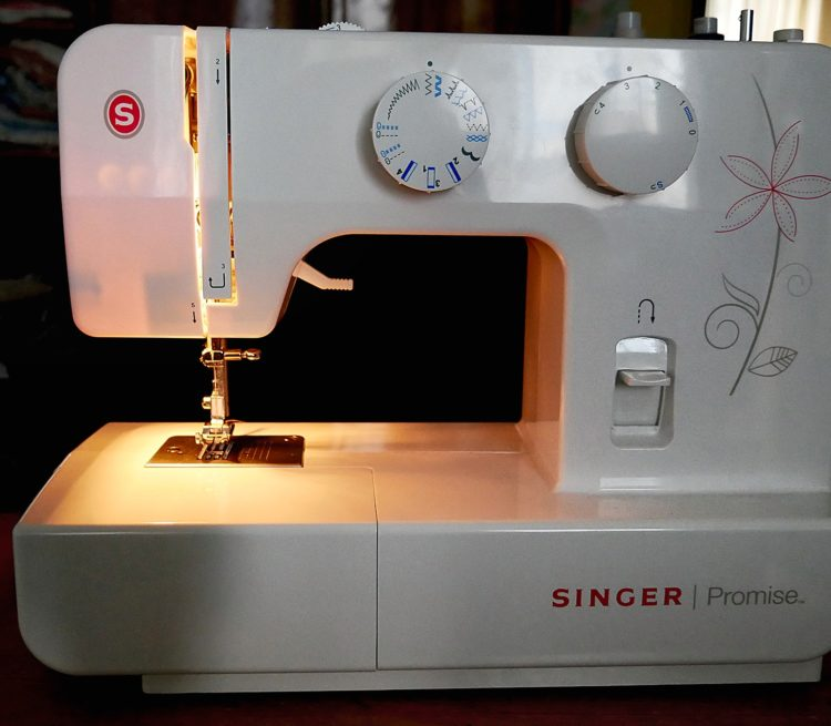 Sewing Machine Singer 1412 - Image 10