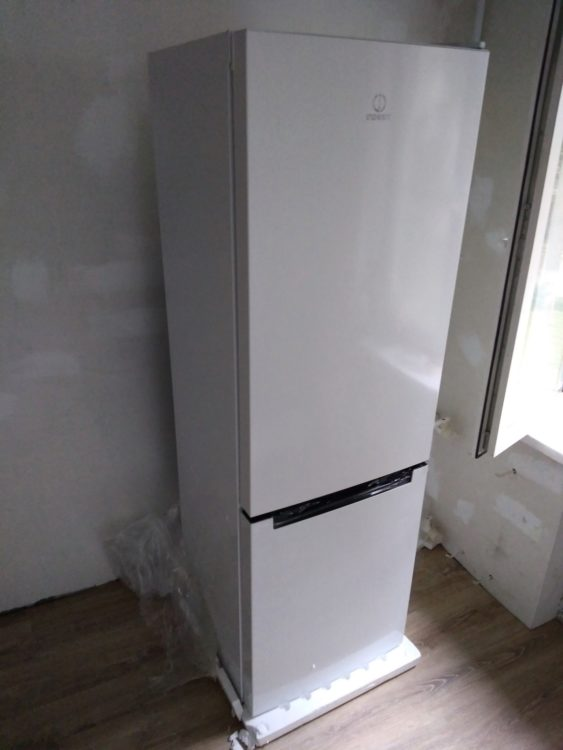 Indesit DF 4180 W Refrigerator, image 1