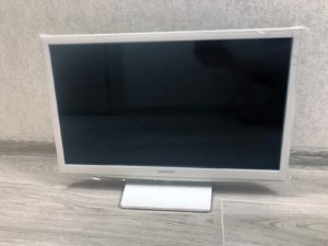 Review on Samsung UE24H4080 TV, white