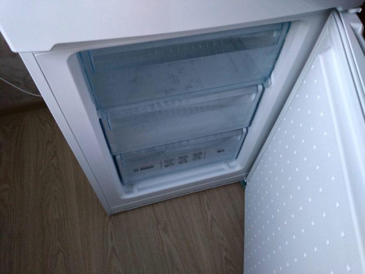 Bosch KGV36NW1AR Refrigerator, image 8