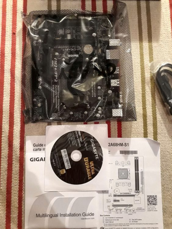 Gigabyte GA-F2A68HM-S1 FM2+, image 2
