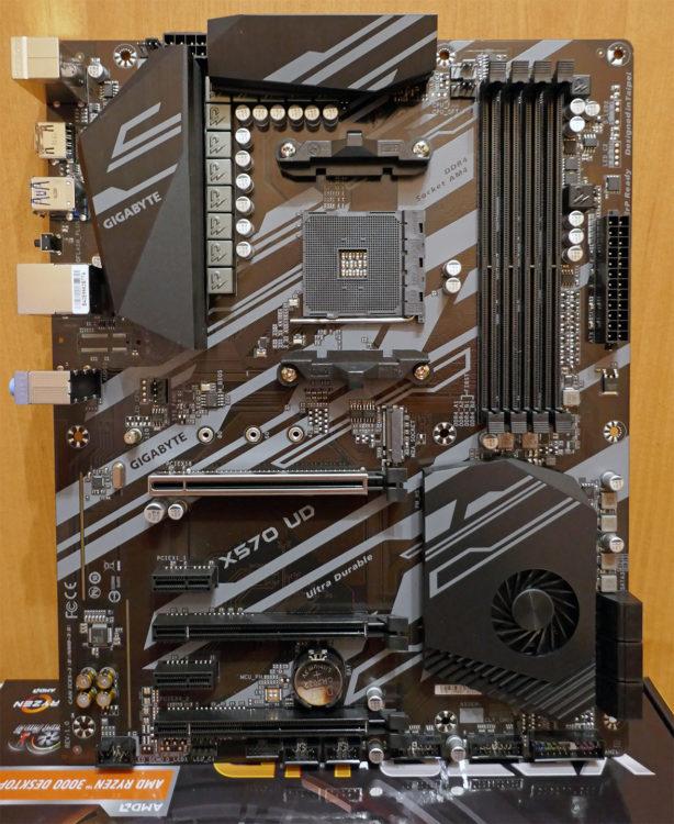 Motherboard GIGABYTE X570 UD image 12