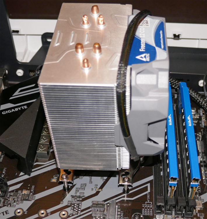 Motherboard GIGABYTE X570 UD image 19