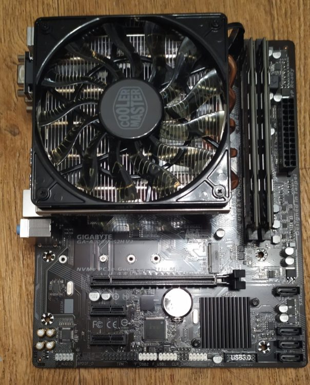 AMD Ryzen 3 3200G on MB Socket AM4